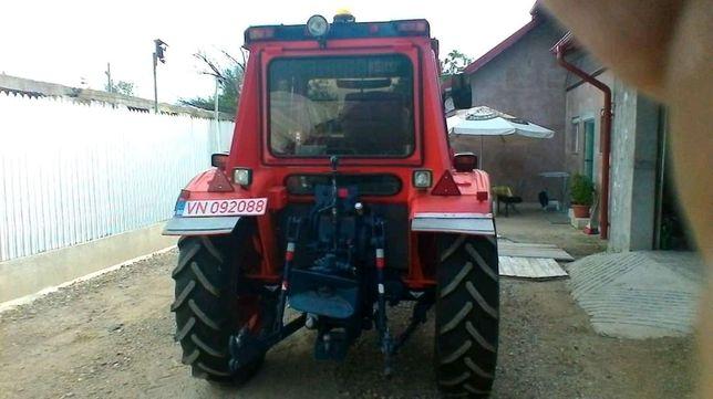 Vand tractor 4x4 de 55 cai.!