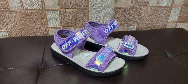 Классные сандалики размер 34