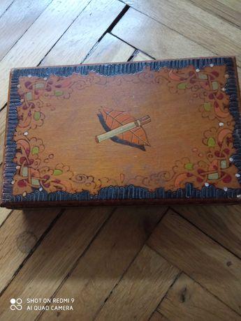 Стари дървени кутии за цигари