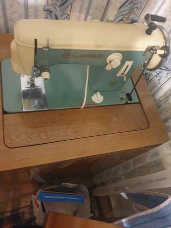 Швейная машину в хорошем состоянии