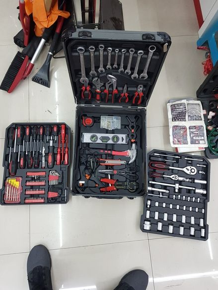 Инструменти 399 части+метален куфър Топ качество тречатки,ключове и др