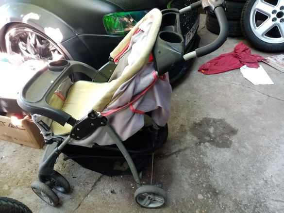 Бебешка количка сгъваема Бертони