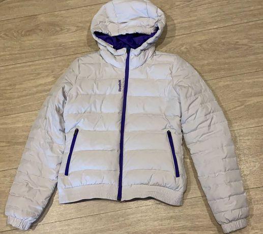 Продам женскую куртку Reebok. Брали в фирменном магазине.