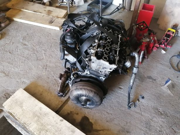 Dezmembrez motor de e46 150 de cai