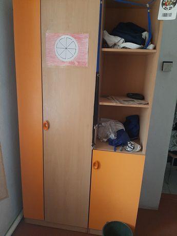 Шкаф,компьютерный стол,и подвесной шкафчик,производство Россия