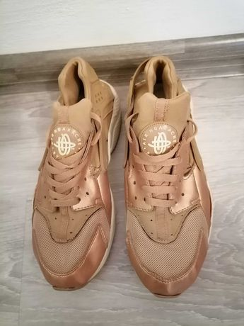 Nike Huarache Gold Rose