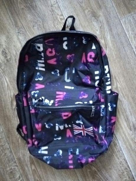 Продаются школьные сумки для девочки, цена 2000 тг. за все.