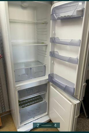 "Холодильник 2х камерный ""Атлант"""