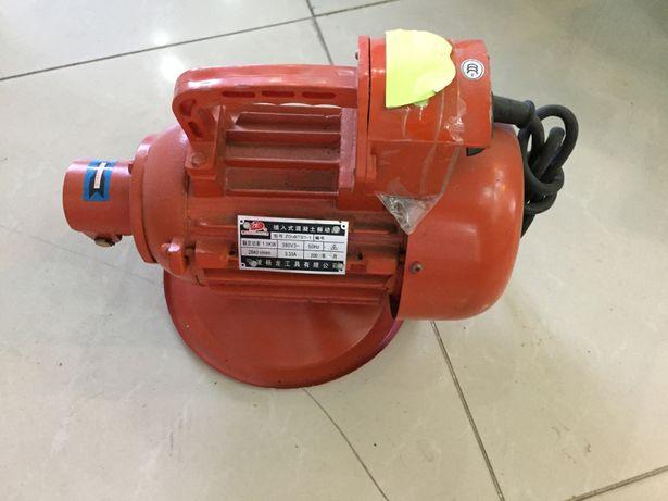 Motor vibrator 1,5 kw trifazic pentru beton + Lance 50mm lungime 6m