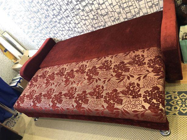 Срочно продаются диваны и кровать!!!