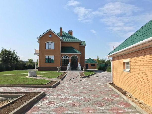 Продам загородный дом с видом на озеро