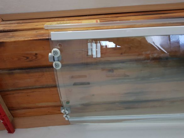 Стъклени  вратички за банята