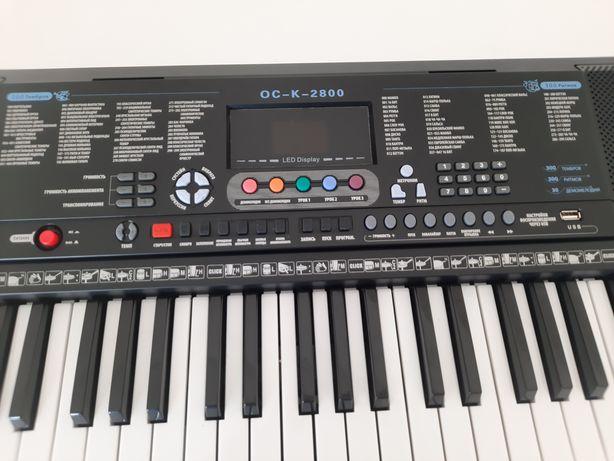 Синтезатор новый, отличный
