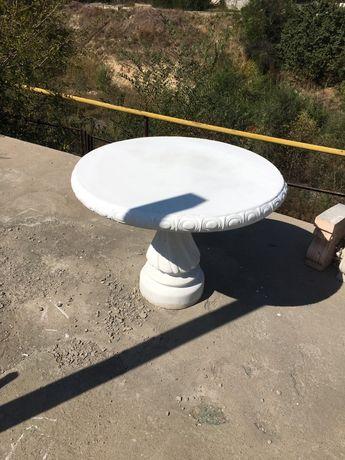 Декоративный бетонный стол