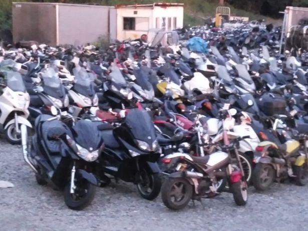 Dezmembrez Motociclete Piese Scuter Piaggio Mbk Yamaha Aprilia Kymco