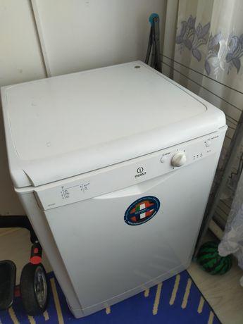 Продам срочно посудомоечную машину