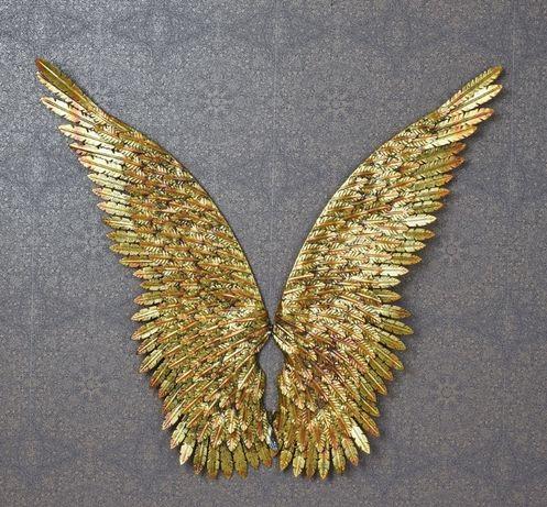 Set aripi mari din metal auriu AJA172