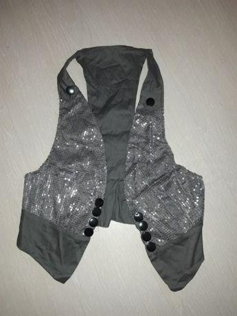 Vestuta cu paiete model 3