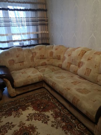 Угловой диван (в хорошем состоянии)