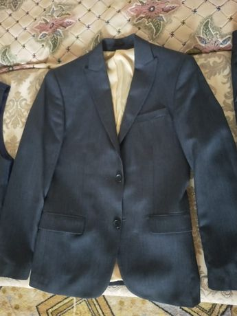 продам костюм тройка + рубашка