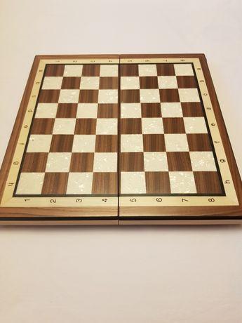 Joc de sah din lemn si sidef de calitate Bursa 2670.