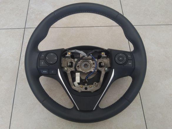Волан за Тойота Аурис 16г. Toyota Auris