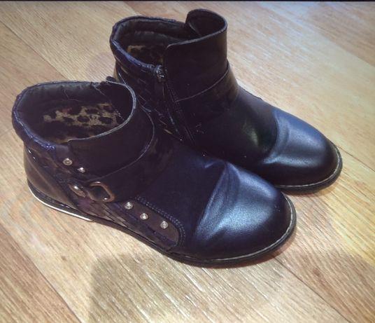 Обувь осень-весна разная