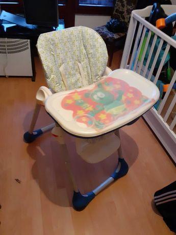 Продавам детски стол за хранене Чико