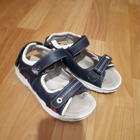 Аяқ киім сандали