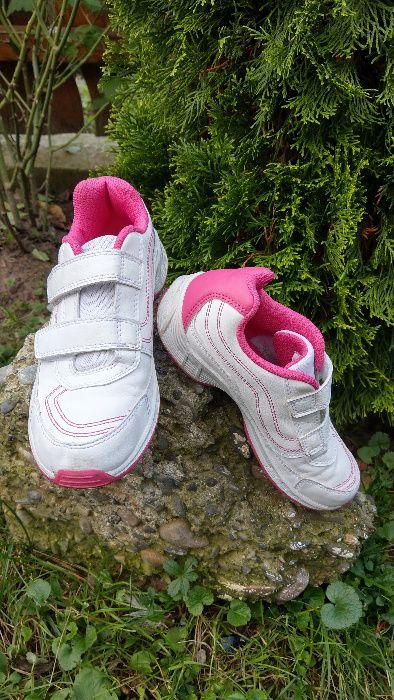 Adidas fete NEWFEEL mar. 35 Dorohoi - imagine 1
