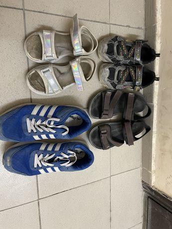 Кроссовки 42р, сандали 41р., девячкие сандали 32 р кроссовки 32 р
