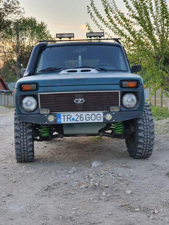 Vând Lada Niva sau schimb cu Toyota Hilux,Mitsubishi L200