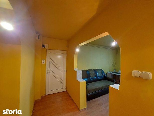 Apartament cu 4 camere, str. Crisului colt cu Independentei, M17