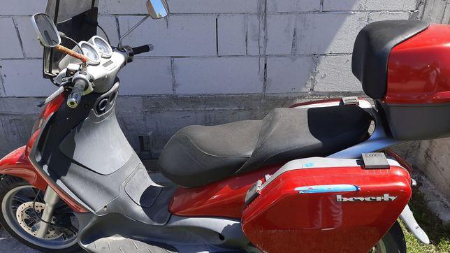 Vand scuter  piagio de 125cm in stare buna
