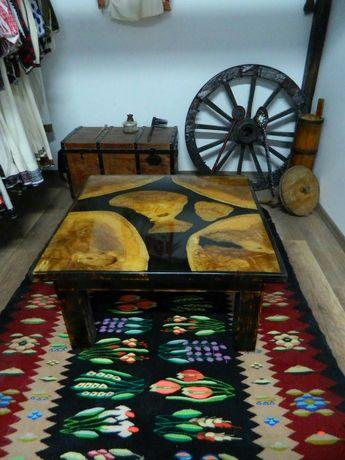 Masa din lemn de plop si rasina epoxidica