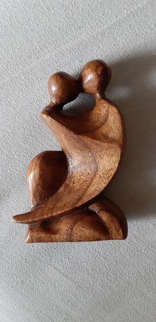 Дървена любовна фигурка