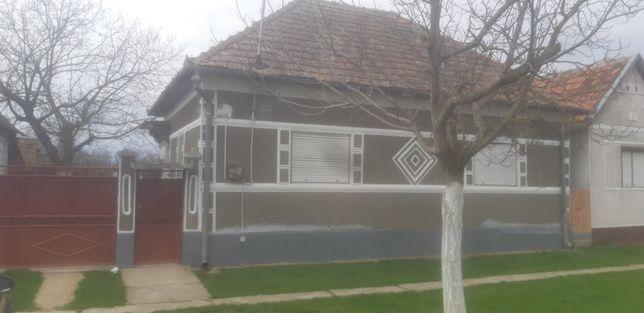Vand casa in Apateu jud.Arad