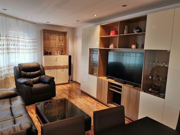 Apartament rezidential cu 3 camere, mobilat si utilat, str. Pietroasa.