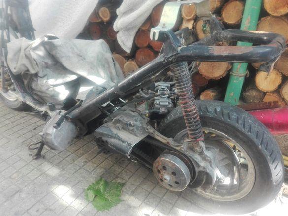 Китайски скутер на части