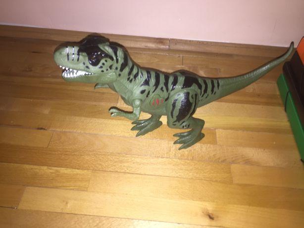 Dinozaur cu sunet si lumini