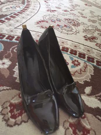 Туфли лаковый чёрные