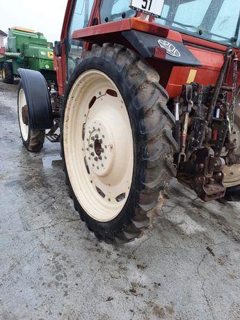 Vand set roti tehnologice pentru tractor fiat,new holland
