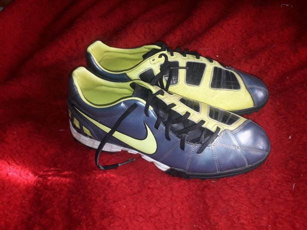 Ghete de Fotbal Nike T90 marimea 45 import UK