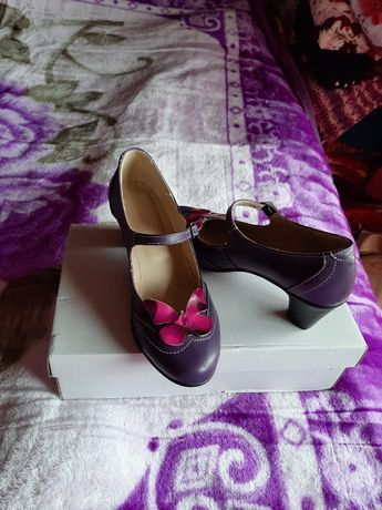 Pantofi piele naturala mov cu fluturasi roz, marime 35