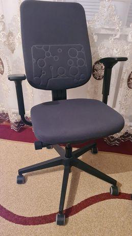 Продам компьютерные кресла