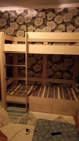 Детский двухэтажный кровать