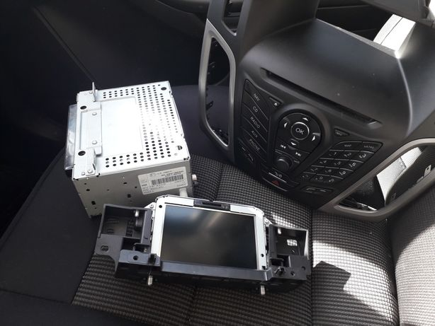 Navigatie Focus 3/RadioCdMP3/Consola cu butoane;
