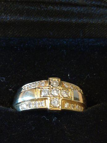 Inel aur 18 kt cu diamante (cruce) + cruciuliță.