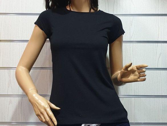 Нови дамски изчистени тениски в различни цветове