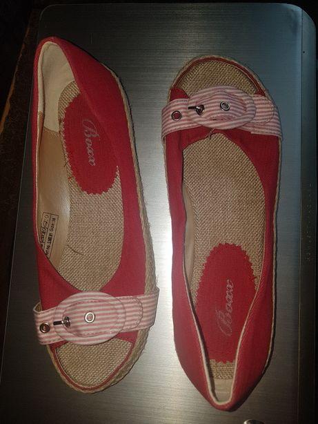 Vand sandale calitate germana masura 38 NOI